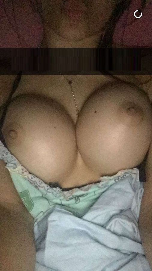 Morena gostosa do snapchat caiu na net pelada