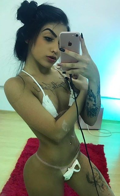 Fotos nuas Mc Mirella pelada