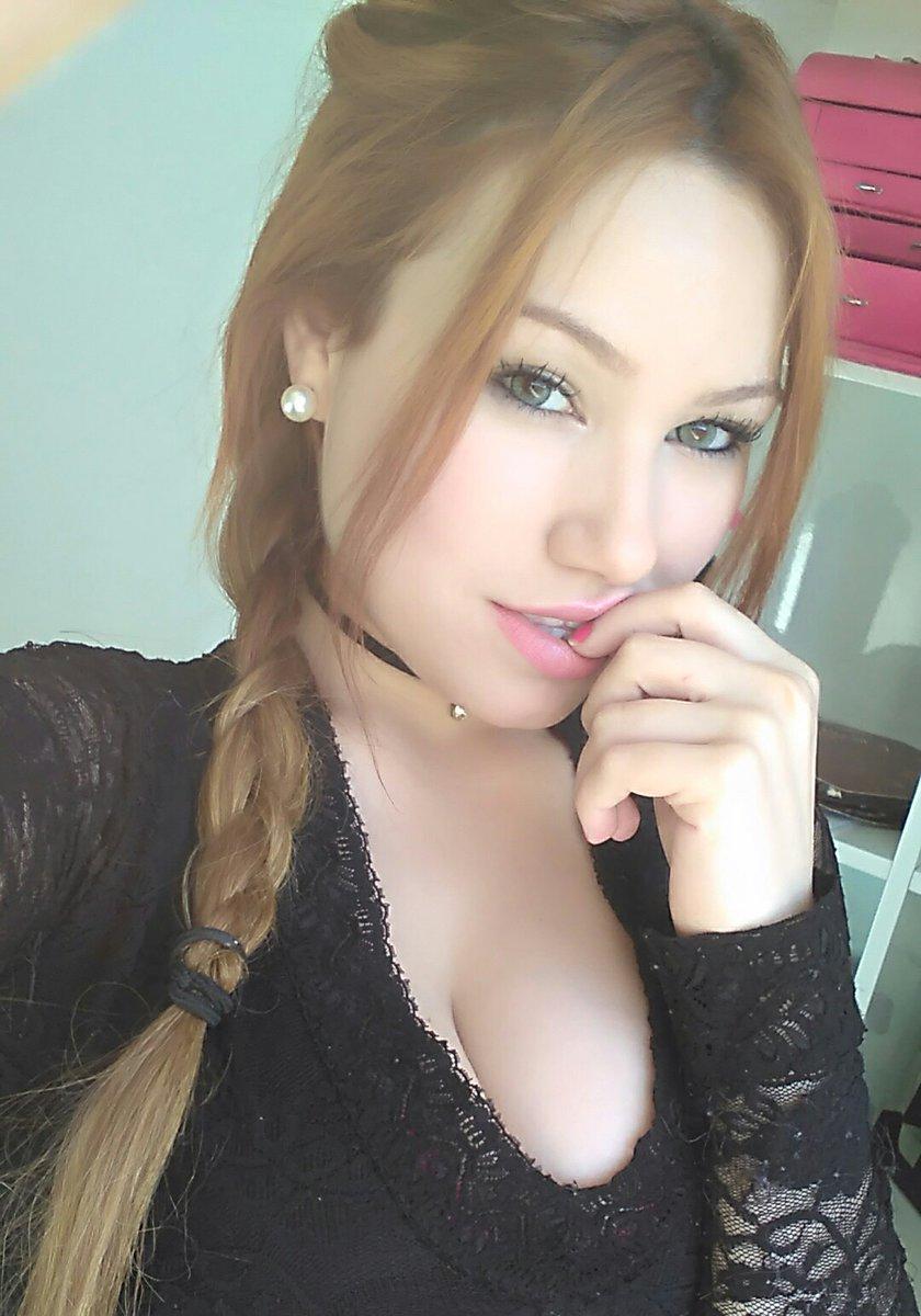 Ruiva rabuda fotos caseiras mostrando a buceta rosinha